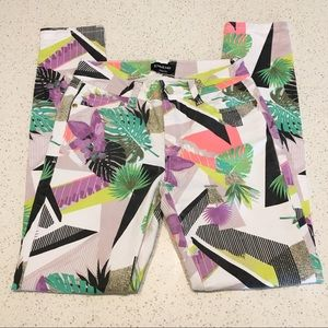 Bebe Tropical Vacation Neon Geometric Capri Pants
